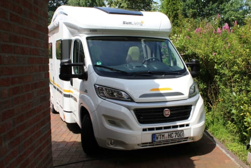 Hire a motorhome in Friedeburg from private owners| Fiat Hanse-Camper