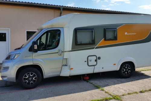 Hire a motorhome in Bad Saarow from private owners| Bürstner  Peter Pan