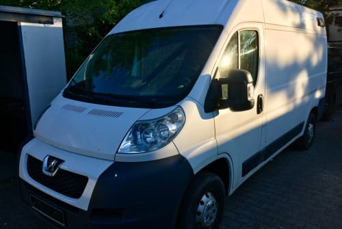 Hire a motorhome in Unterhaching from private owners| Peugeot Bertha