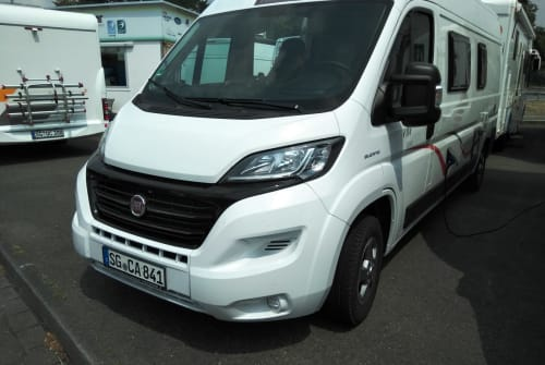Hire a motorhome in Solingen from private owners| Fiat Manni