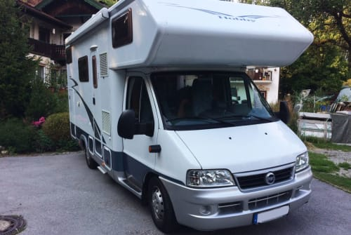 Hire a motorhome in Rohrdorf from private owners  Hobby Mr. Carson