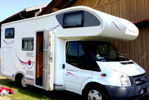 Hire a motorhome in Söchtenau from private owners| Ford / Challanger Pablomobil