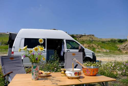 Hire a motorhome in Berlin from private owners| Volkswagen Teletubby