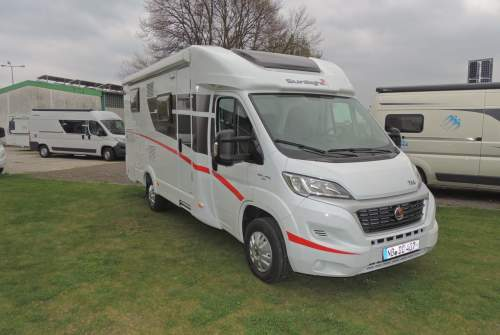 Hire a motorhome in Neubrandenburg from private owners| Sunlight Olaf