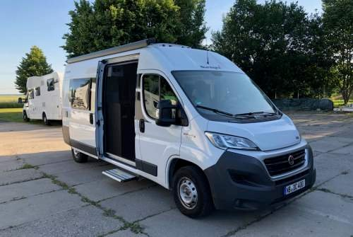 Hire a motorhome in Neubrandenburg from private owners| Sunlight Jan