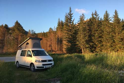 Hire a motorhome in Berlin from private owners| VW Bro
