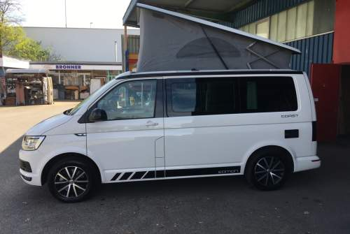 Hire a motorhome in Freiburg im Breisgau from private owners| VW California Coast 4 Motion204 PS Automatic Bella