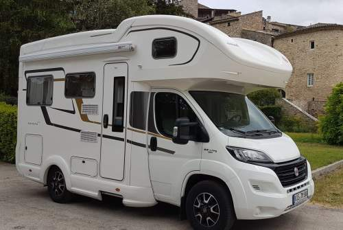 Hire a motorhome in Brüggen from private owners| Eura Mobil Shorty