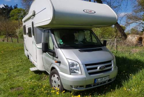 Hire a motorhome in Berlin from private owners| LMC BOB