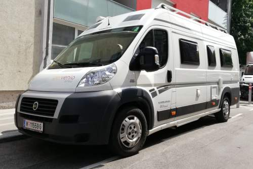 Hire a motorhome in Wien from private owners| Karmann Gianluca