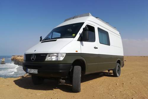 Hire a motorhome in Berlin from private owners| Mercedes Frank the Tank